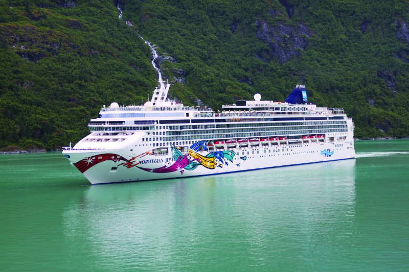 Norwegian Jewel luxushajó